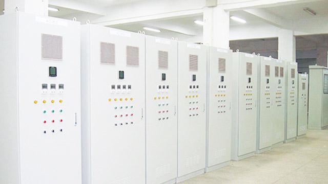 金陵奇峰分享变频控制柜的优势和功能!